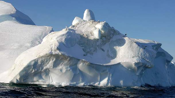 Айсберг откололся от Гренландии
