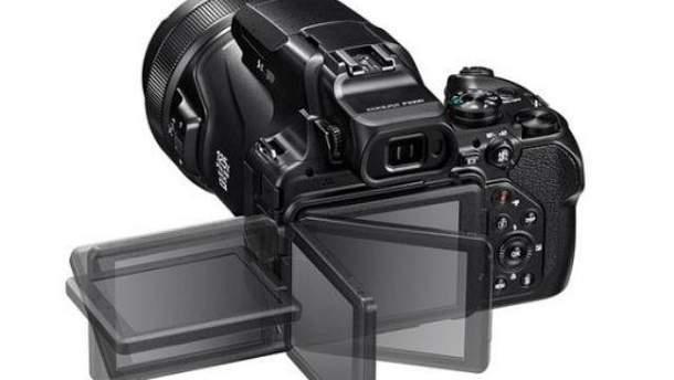 Фотокамера Coolpix P1000