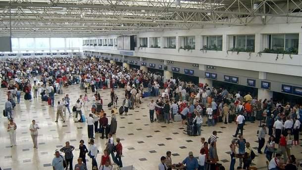 В Туреччині затримують 4 рейси із українськими відпочивальниками