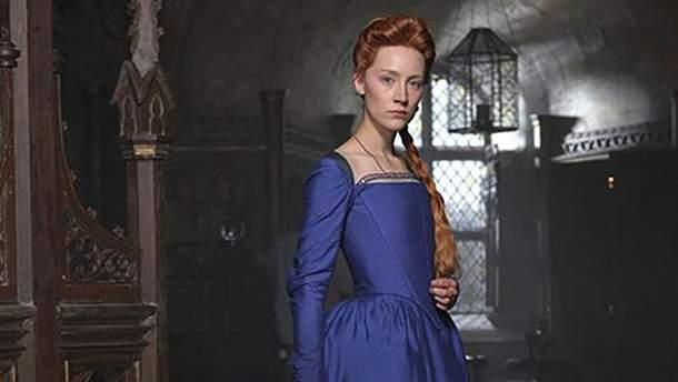 """Сірша Ронан в ролі Марії Стюарт у """"Марія – королева Шотландії"""""""
