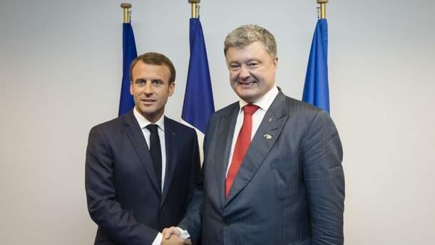 Порошенко встретился с Макроном и пригласил его в Украину