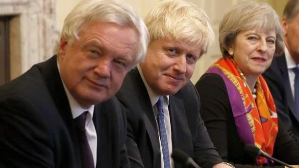 Тереза Мэй с двумя ключевыми министрами