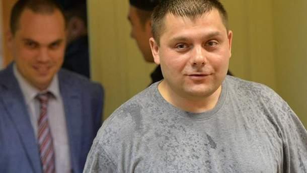 Умер бизнесмен Петр Офицеров, которого вместе с Навальным судили по делу