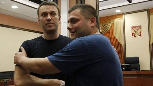 Засуджений разом із Навальним Офіцеров помер внаслідок епілептичного удару, – медики