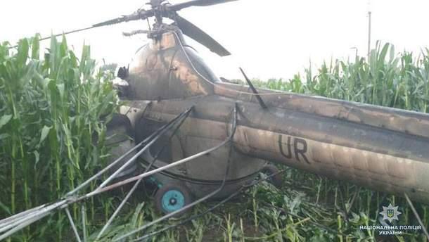 На Черниговщине вертолет зацепил линию электропередач