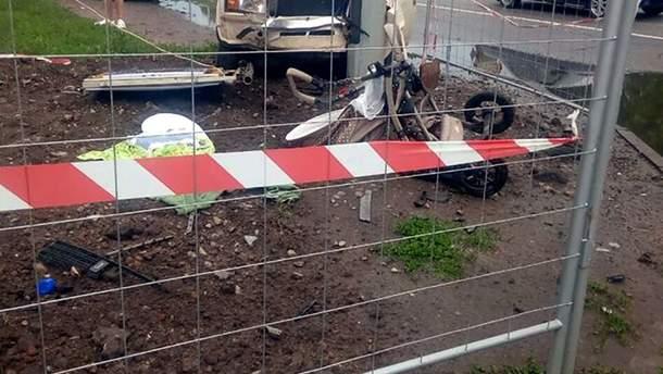 У Харкові на тротуарі автомобіль збив дитину у візочку