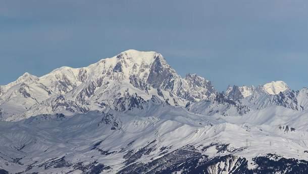 Во Франции ограничили доступ к вершине горы Монблан