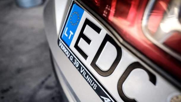 Суб'єктивно про євробляхи: чому влада підтримує водіїв на іноземних номерах