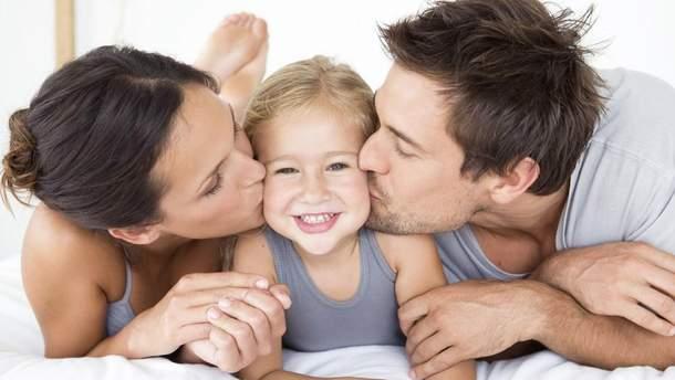 Чим небезпечна хвороба поцілунків для дітей