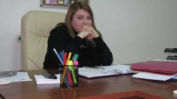 Чиновниця Херсонської міськради та активістка Катерина Гандзюк вважає, що напад на неї стався через її роботу та коштував близько 500 доларів