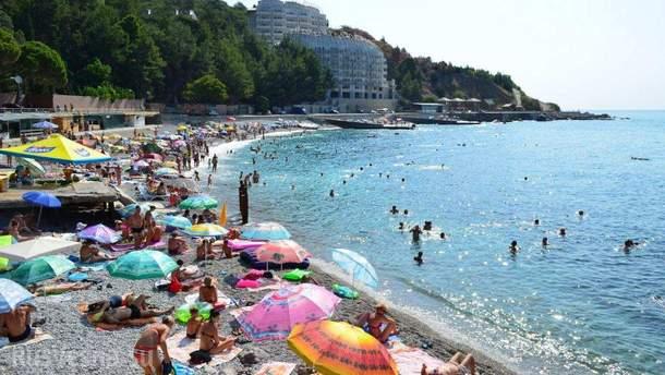 Туристи в окупованому Криму стали скупими та крадуть з готелів інвентар