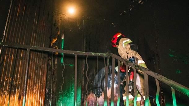 В Киеве неизвестные подожгли квартиру