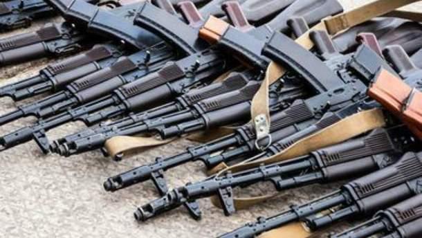 Правоохранители разоблачили группировку поставщиков нелегального оружия