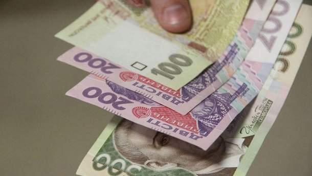 Благотворительность депутатов: кто и кому жертвует зарплату