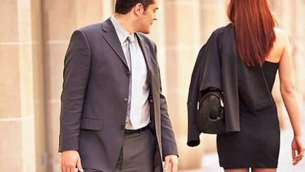 Во Франции запретили непристойные заигрывания на улицах
