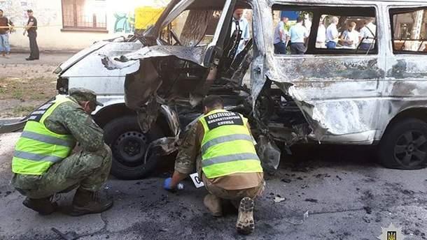 Взрыв микроавтобуса с депутатом в Каменском полиция расследует как покушение на убийство