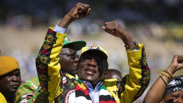 Эммерсон Мнангагва начал праздновать свою победу на выборах еще задолго до официального объявления результатов