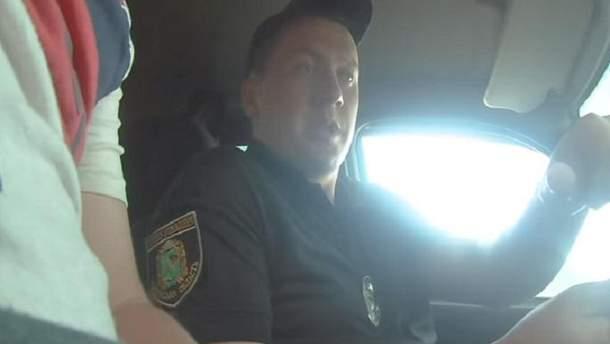 Прокуратура розпочала розслідування стосовно поліцейських, які вимагали гроші у нетверезого водія