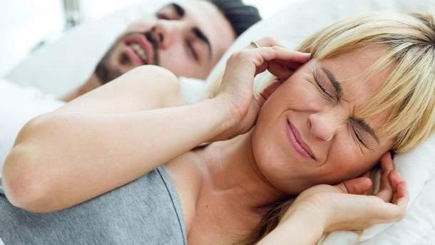 Чому люди розмовляють уві сні
