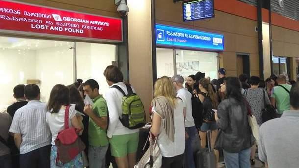 Авиакомпания Yanair оставила багаж пассажиров рейса Киев-Тбилиси в Украине