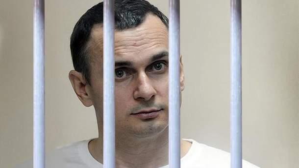 У Росії пояснили, чому не пустили до Сенцова священика