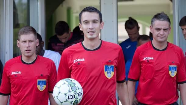 Володимир Міланич (по центру)