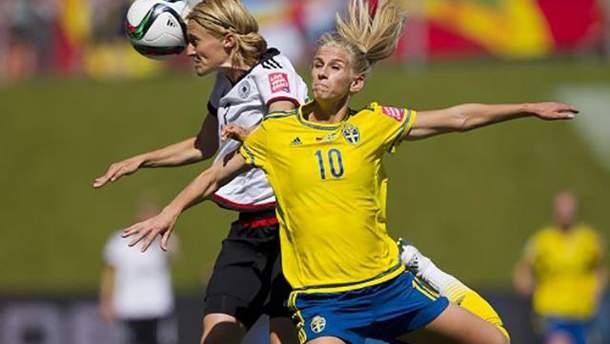 Футбол опасен для женского мозга