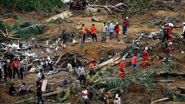 Снова мощное землетрясение в Индонезии