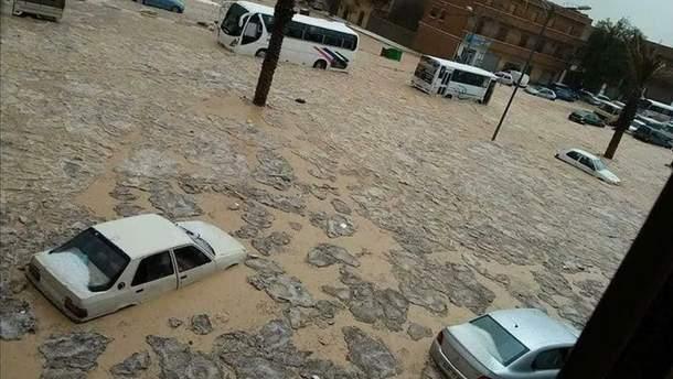 Повінь у Алжирі: загинуло вже п'ятеро людей