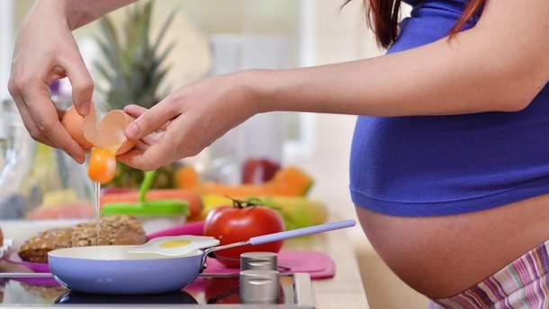 Від яких продуктів краще відмовитися під час вагітності