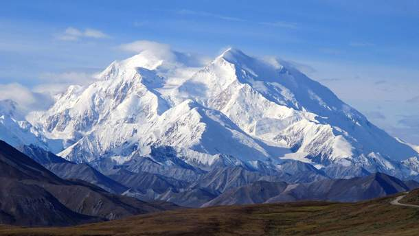 Літак розбився поблизу найвищої точки у Північній Америці – гори Деналі