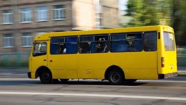 Под Киевом водитель маршрутки набросился на бойца АТО