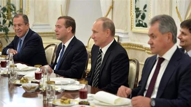 США обещают новые санкции против окружения Путина