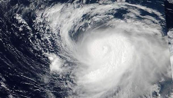 В Японії насувається потужний тайфун