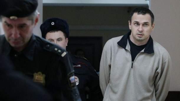 Олег Сенцов голодує уже майже три місяці