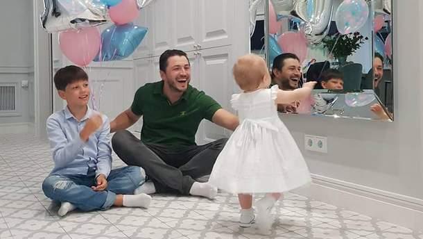 Сергій Притула з дітьми