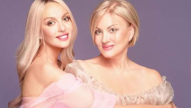 Оля Полякова з мамою