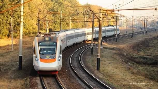 """""""Укрзалізниця"""" отримає збитки після закриття залізничного сполучення з РФ"""