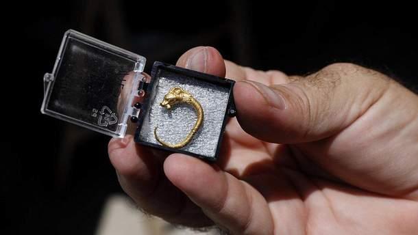 Серьга найдена в Египте