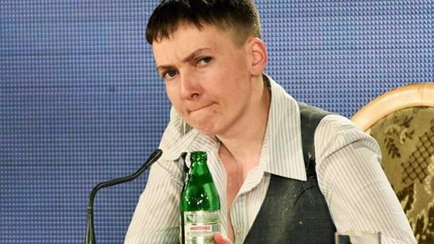 Савченко призвала Порошенко обменять его Липецкую фабрику на жизнь Сенцова