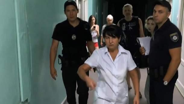В Харькове пьяная медсестра избила ребенка в больнице