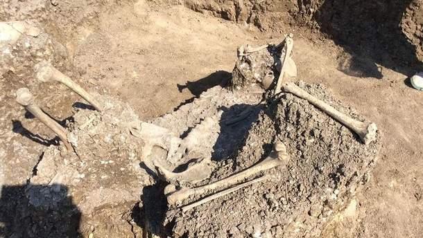 Древні поховання знайшли російські археологи в окупованому Криму
