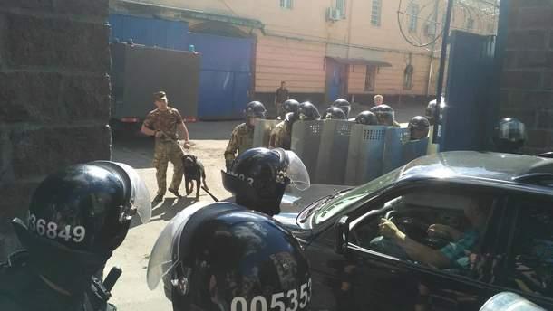 По факту посягательства на жизнь сотрудника СИЗО полиция открыла уголовное производство