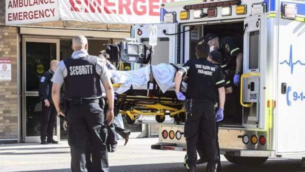 Поліція Канади повідомила, що винуватця стрілянини серйозно поранено