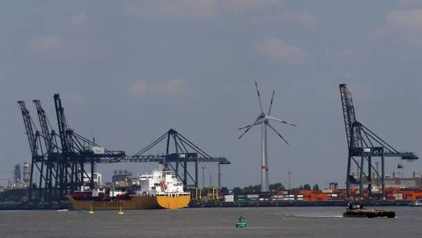 В порту Антверпена произошел пожар
