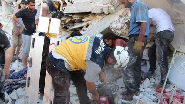 В Сирии взорвался склад вооружений, много погибших: фото, видео 18+