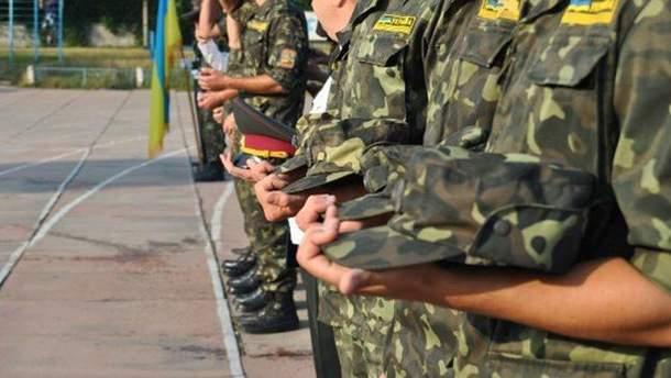 Порошенко анонсував початок Всеукраїнської військової підготовки для молоді