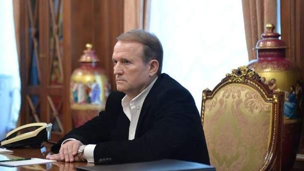 Убрать сцену суда из фильма про Стуса просил пресс-секретарь Медведчука и Суркиса