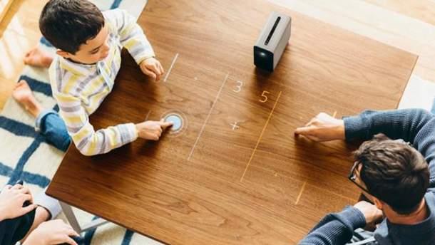 Майбутнє тут і зараз: Sony презентувала революційний проектор Xperia Touch