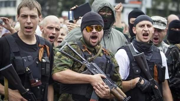 """Примусова мобілізація та покарання: у """"ДНР"""" готуються до Дня Незалежності"""